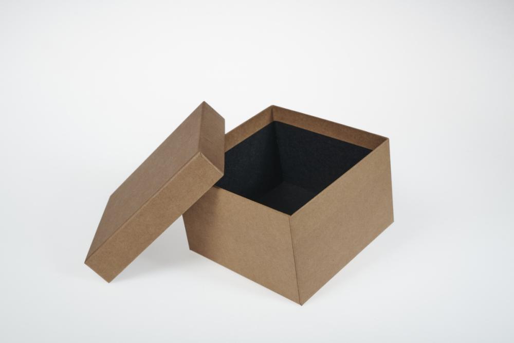 Darilna škatla G1.1 R150X150X100mm NATUR KRAFT